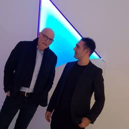 In front of Christian Herdeg - Monte Blue, 2017 Fluo Acrylfarbe, 147 x 108 x 11,5 cm Schwarzlichtröhren