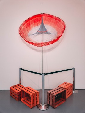 Abraham Cruzvillegas Achvárikua: errores microuniversales para canon a cuarenta y nueve voces, 2017Butterfly net, metal pipe, approx. 350 x 220 cm Courtesy of the artist and Galerie Chantal Crousel