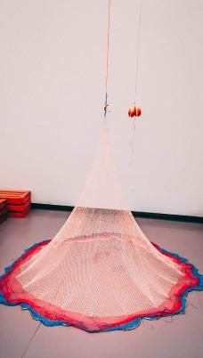 Abraham Cruzvillegas Balbuceos infratonales para Gertrudis Bocanegra, 2017Nylon fishing net, nylon rope, pigeon hoof, beer, c. 390 x 203 x 203 cmCourtesy of the artist and Galerie Chantal Crousel