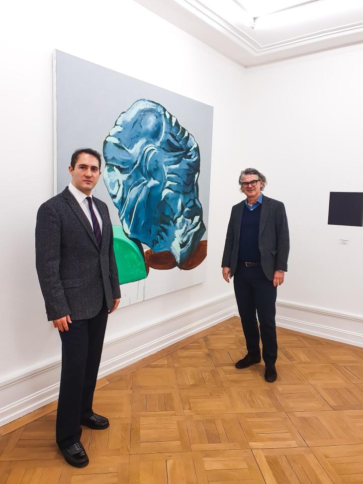 "Andy Hermann & Victor Gisler vor ""Marmor XV, 2019"" von Michel Pérez Pollo"