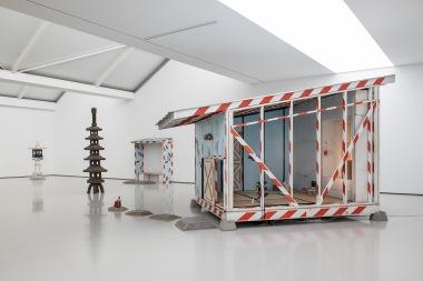 Ausstellungsansicht TOM SACHS. Timeline, SCHAUWERK Sindelfingen, 2019, Foto: Frank Kleinbach, © Tom Sachs