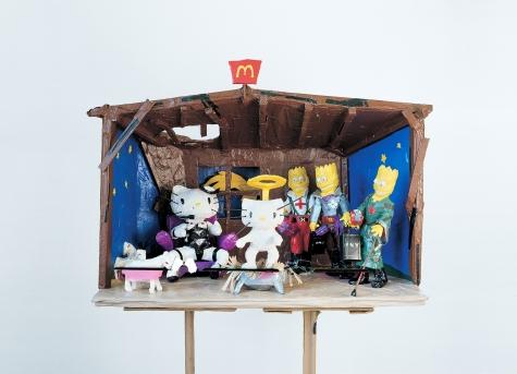 Tom Sachs Hello Kitty Nativity, 1994, Klebeband, Kunstharz, diverse Materialien, 76,2 x 114,3 x 76,2 cm, Foto: Studio Tom Sachs, © Tom Sachs